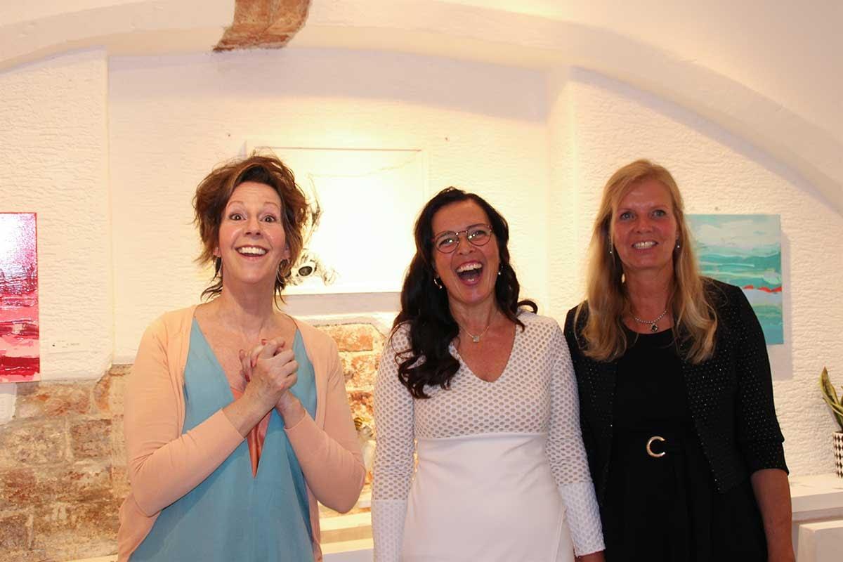 Les lignes du chaos Kunstausstellung Apogeé - Larissa Schröder und Bettina Fischer und das Eichhörnchengesicht