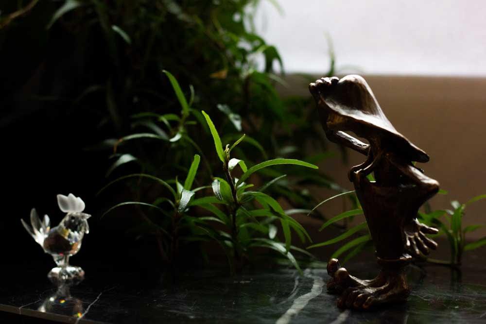 Fiete Kunstkieker - auf der Suche nach der Kunst - eine Bronze guckt und findet Kunst