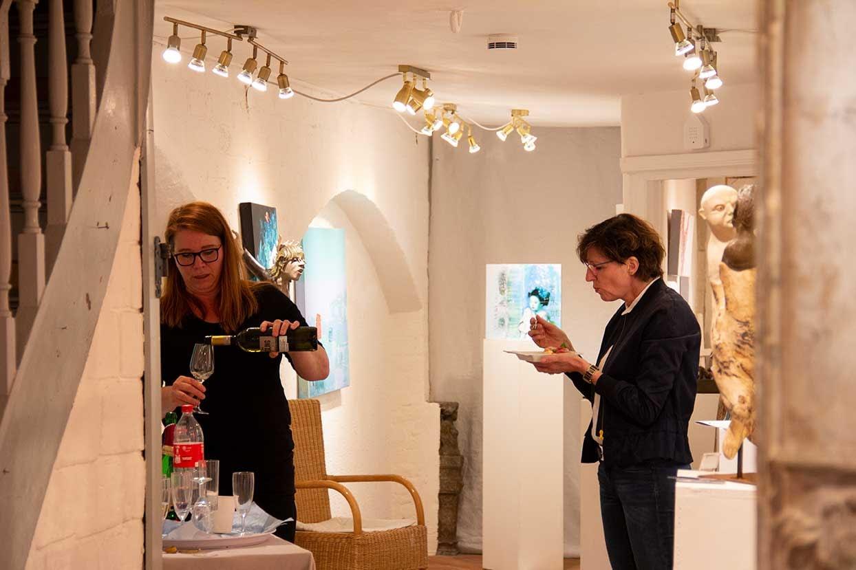 Les lignes du chaos Kunstausstellung Apogeé - Gäste genießen MEZE by Evrim Deliplates